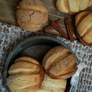 Conchas are an authentic Mexican yeast bread. They are a sweet bread that is tender and delicious and perfect for breakfast or at any meal. | HostessAtHeart.com