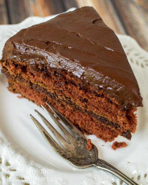 Prize Mahogany Chocolate Cake is a luscious tender chocolate cake that is easy to make and easy to eat. It definitely deserves its place among family favorites. | Hostess At Heart
