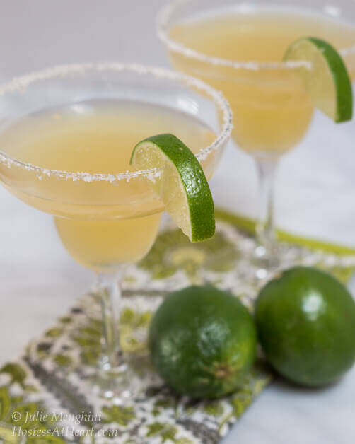 The Best Fresh Margarita recipe hands down. This margarita tastes fresh and delicious, and has no artificial ingredients or mixers | HostessAtHeart.com