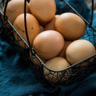 Farm Fresh Eggs; Are they all they're cracked up to be? Eggs are eggs right | HostessAtHeart.com